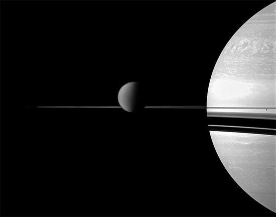 Lua Titã, uma das dezenas de luas do planeta