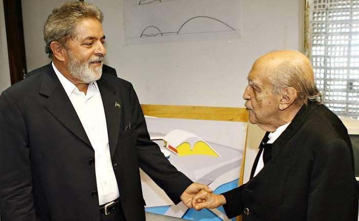 Lula e Niemeyer
