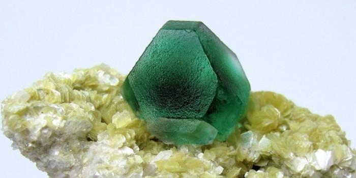 Fluorita não é esmeralda