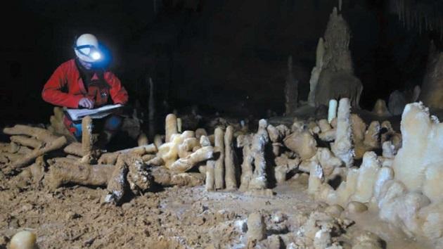 caverna-neandertal-jaubert-et-al-2016