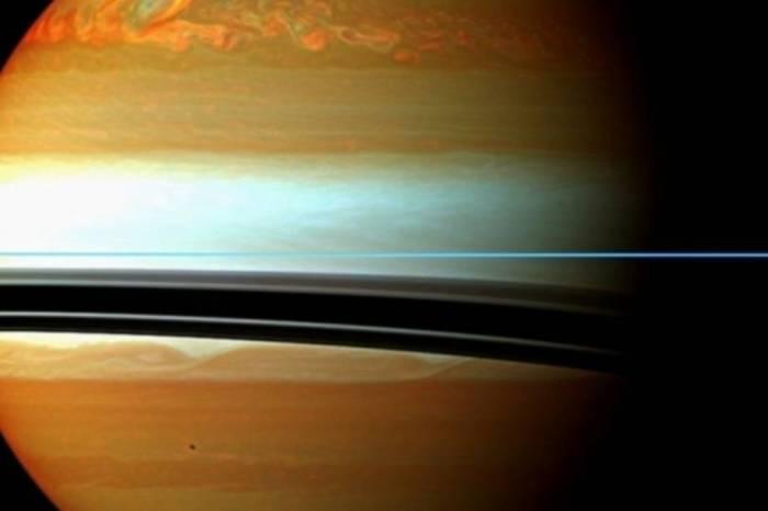 luas de saturno,
