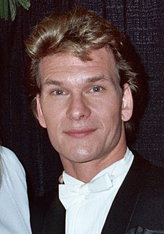 Patrick_Swayze_-_1990_Grammy_Awards_(cropped)